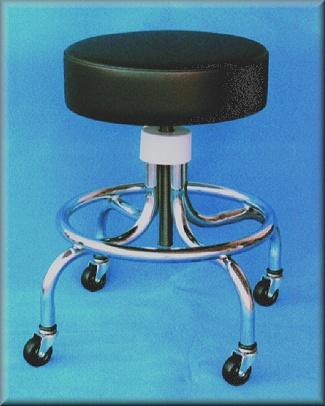 Portable spectator's stool - Spillman, Robert L.